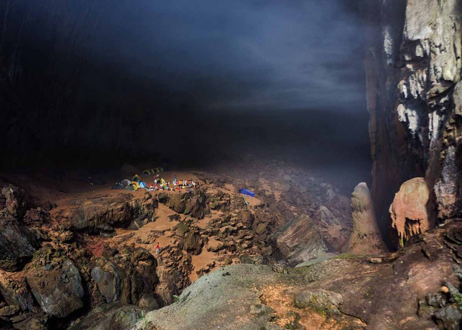 The first batch of tourists visited the Son Doong Cave in July. (Photo: Oxalis)