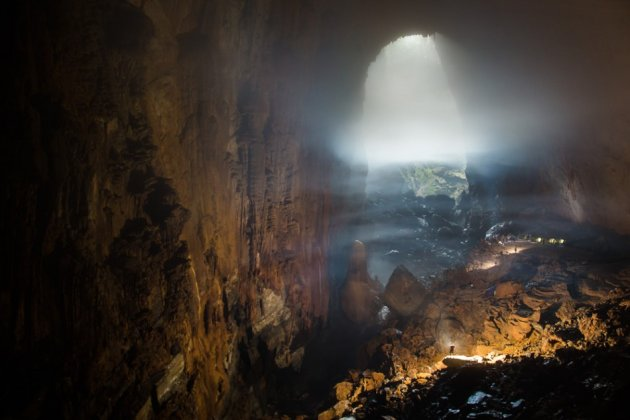 The Son Doong Cavewas formed by erosion of the weak limestone underneath the mountain. (Photo: Oxalis)