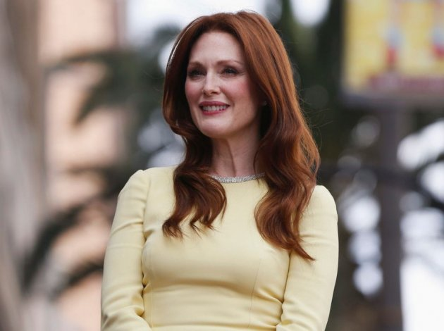 Julianne Moore Gets Star On The Hollywood Walk Of Fame -1069