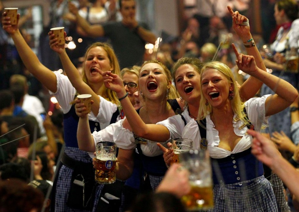 Oktoberfest waitresses toast while they celebrate the end of the world's biggest beer festival, the 180th Oktoberfest, in Munich on 6 October. (Photo: Reuters)
