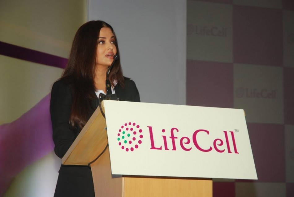 Aishwarya Rai addresses the media on her decision to preserve her daughter's stem cells. (Photo: LifeCellInternational/Facebook)
