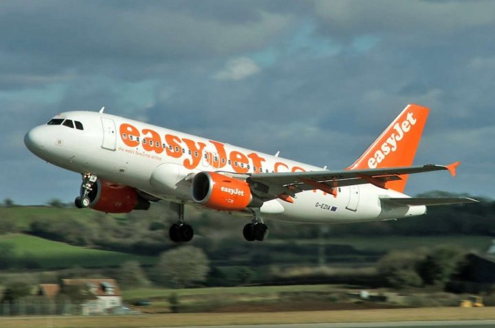 easyJet Airbus A319 (Wikimedia)