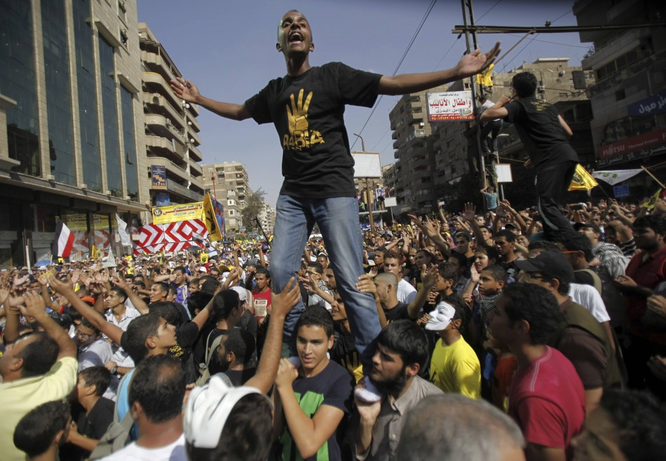 US cuts back military aid to Egypt