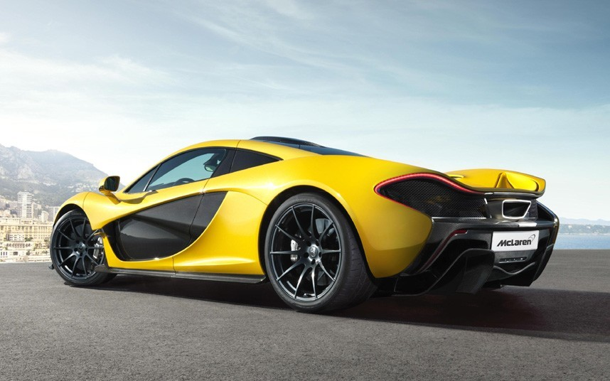 Apple 'in talks to buy supercar maker McLaren'