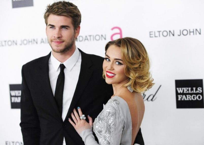 Miley Cyrus and Liam Hemsworth 'fighting to save their relationship'