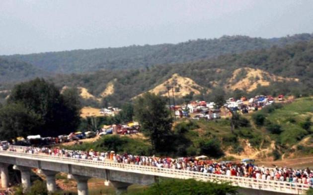 Pilgrims on bridge