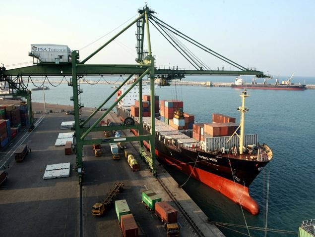 India detains US ship