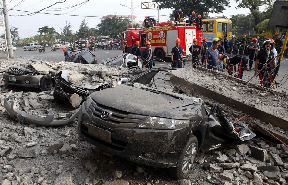 Philippines Earthquake: Patients Trapped under Collapsed ...
