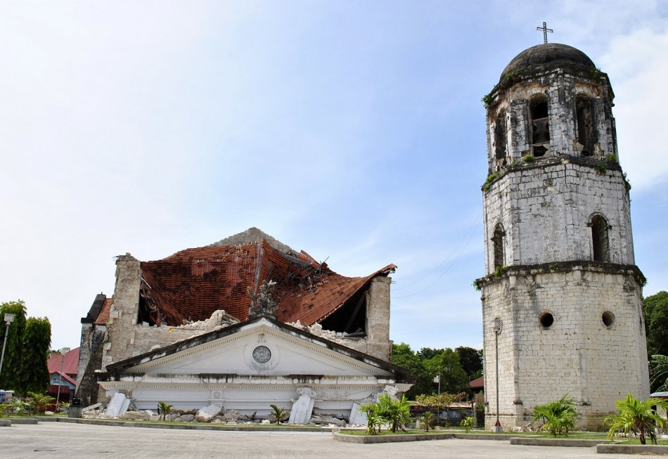 Collapsed churches philippines
