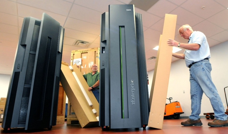 IBM Shares Plunge Following Sixth Quarterly Sales Decline