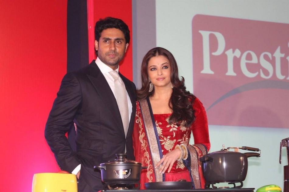 Aishwarya Rai Bachchan and Abhishek Bachchan To Host AmFAR Fundraiser /Facebook