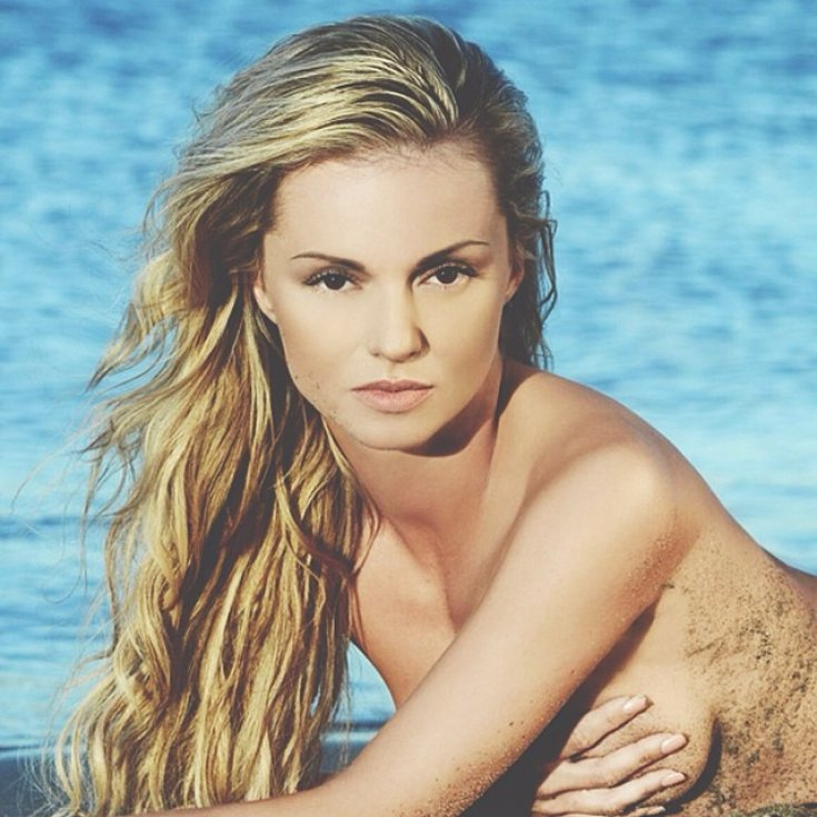 'Strictly Come Dancing' Star Ola Jordan Looks Sizzling Hot In Bikini Pictures In Her 2014 Calender [SEE PHOTOS]