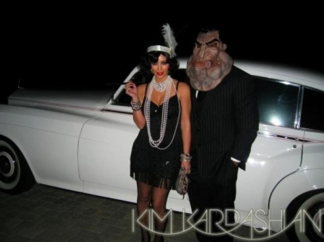 Kardashian arrives as a flapper  [Kim Kardashian/Celebbuzz]