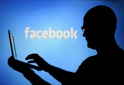 FAcebook Returns for some users following worldwide service outage