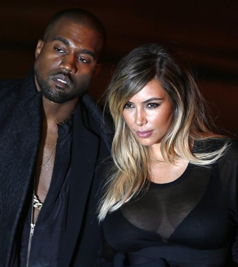 Kanye West and Kim Kardashian are planning a Vegas wedding