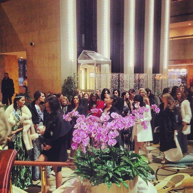 Miss Universe contestants arrive at Zafferano restaurant in Moscow for welcome dinner. (Photo: Facebook)