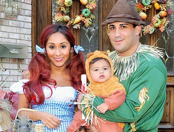 Halloween 2013: Snooki, Jionni LaValle and Lorenzo Glam-up in Wizard of Oz Halloween Costumes(Instagram/rubies_costume_company)