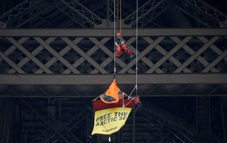 Greenpeace Eiffel Tower protest