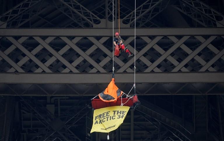 Greenpeace Eiffel Tower protest