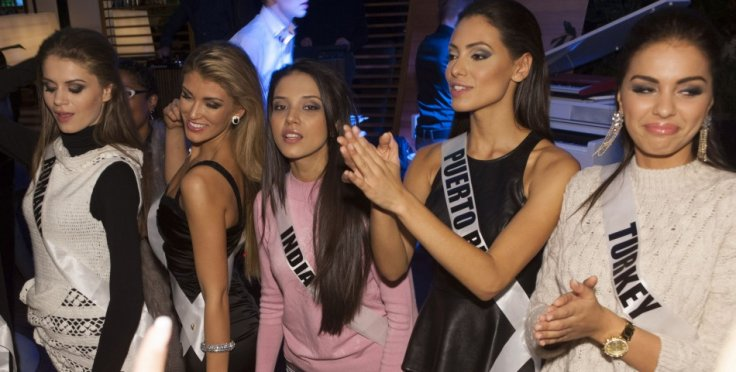 Miss Universe UK (second from left) enjoys party with fellow contestants at Rose Bar. (Photo: Miss Universe Organization L.P., LLLP)