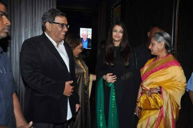 Aishwarya Rai Bachchan attends birthday party of director Subhash Ghai's (Left) sister along with her mother-in-law (Right), Jaya Bachchan. (Photo: AshOfficial/info/Facebook)