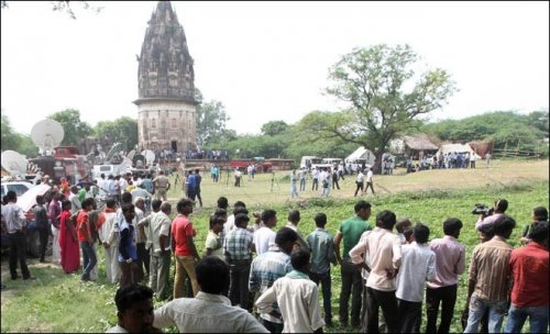 Indian archaeologists have stopped the excavation work at Unnao Fort in Daundia Khera village in the northern state of Uttar Pradesh. (Photo: REUTERS)