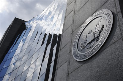 The Securities and Exchange Commission awarded 0,000 to a whistleblower (Photo: Reuters)