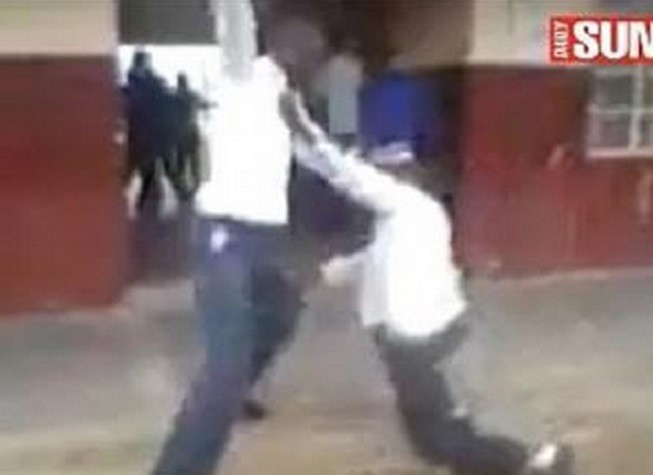 Bongani Nkabinde being attacked at Isizimele High School in brawl caught on film PIC: The Daily Sun