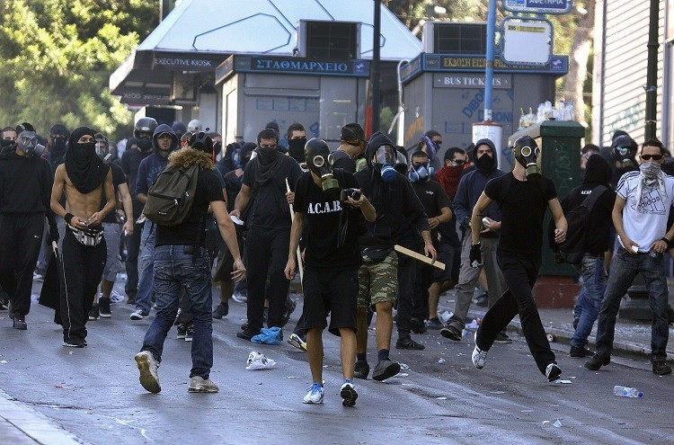 Greek youths riot in Athens over soaring unemployment levels