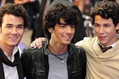 Jonas Brothers – Nick, Kevin, and Joe – have officially announced their split as a band. (Reuters)