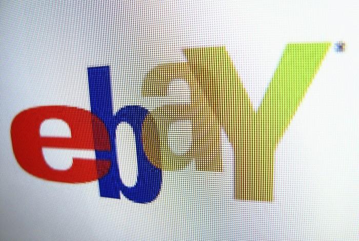 Ebay has apologised and removed dozens of Holocaust memorabilia following public uproar.