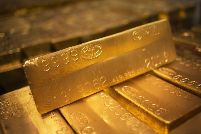 Gold set for biggest weekly loss in two months on U.S. Fed uncertainty