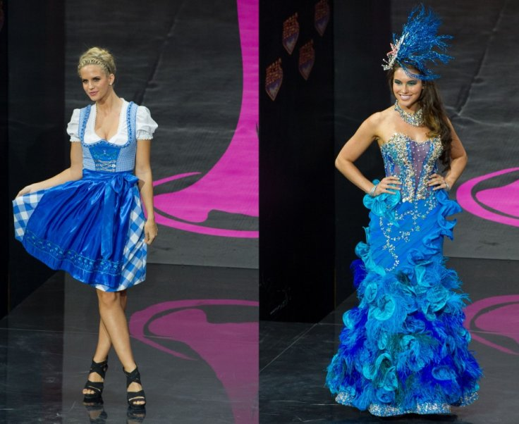 Vision in blue: Doris Hofmann, Miss Universe Austria 2013 (L) and Olivia Wells, Miss Universe Australia 2013. (Photo: MIss Universe Organization L.P., LLLP)