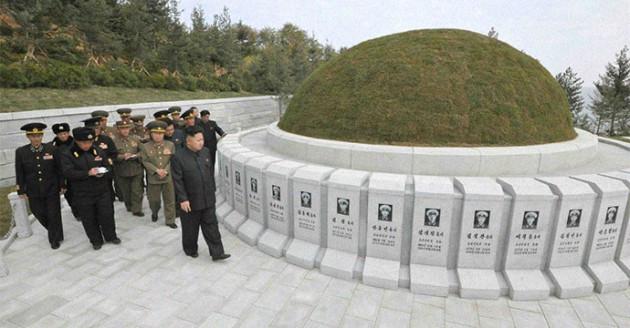 Kim-Jong-un graves sailors