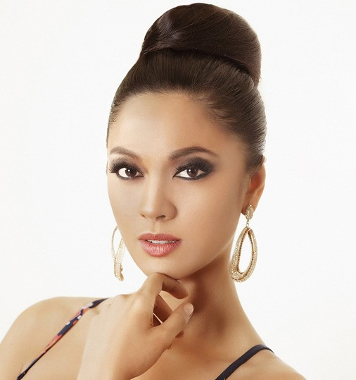 """This Chemistry graduate also has huge support from previous pageant winner, Miss Universe 1969 Gloria Diaz, 66 who was the first Filipino to win the crown  """"I think she is beautiful. She's got everything, she's a true Filipina. She's very exotic in a posi"""