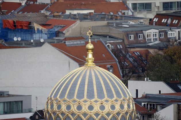 The cupola of Berlin's new synagogue at Oranienburger street is pictured, November 5, 2013. (Photo: Reuters)