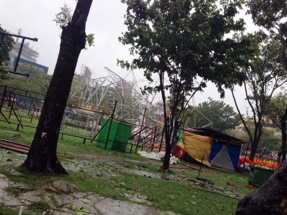 First images of Typhoon Yolanda landfall