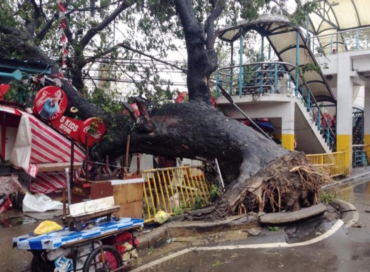 First images of Typhoon Yolanda landfall