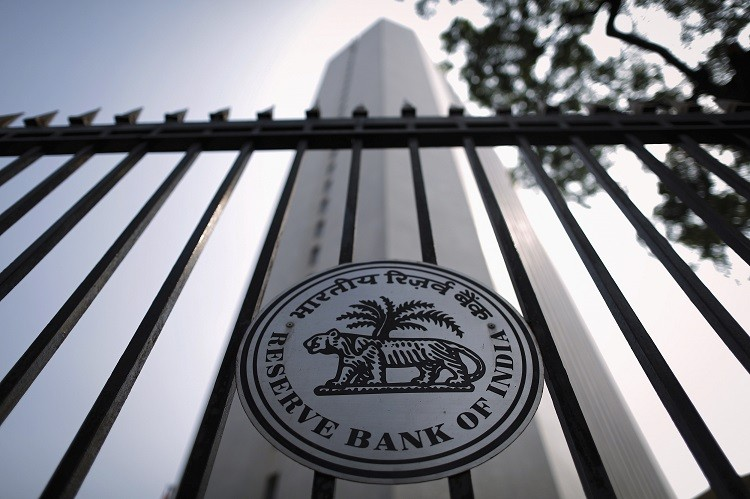 India's central bank has unveiled new rules that will allow foreign banks to expand their presence in the country, Duncan Lawrie Private Bank, which already has a presence in India, comments on the future prospect of UK financial institutions moving into the region. (Photo: Reuters)