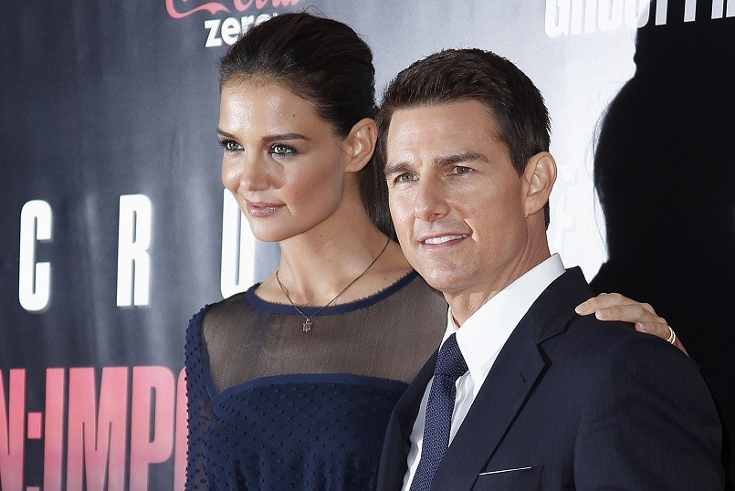 Katie Holmes (l) and Tom Cruise before divorce PIC: Reuters