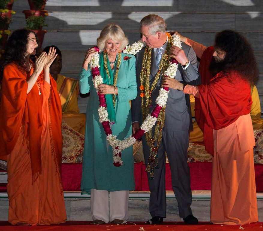 Camilla in blue and white Indian dress. (Photo: Reuters)