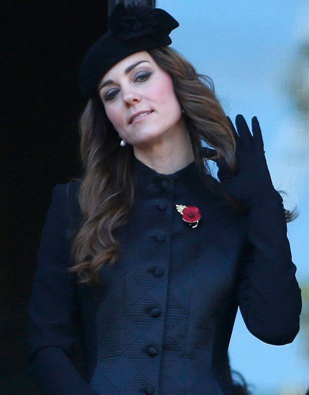 Duchess of Cambridge attends the annual Remembrance Sunday ceremony at the Cenotaph in London November 10, 2013. (Photo: REUTERS/Suzanne Plunkett)