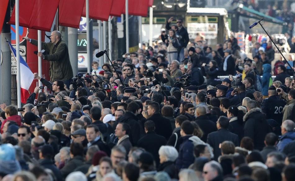 Hollande Protest Paris Champs Elysees