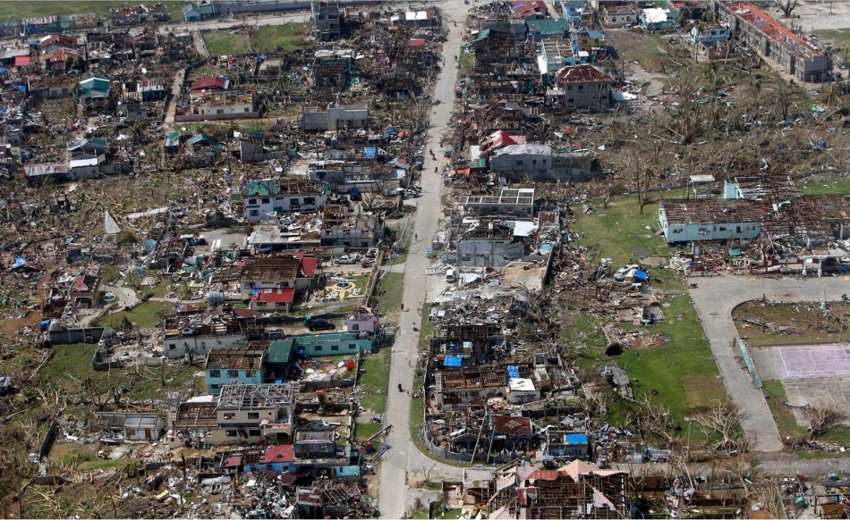 People residing in Samar province in central Philippines have no where to go after Haiyan destroyed their dwellings. (Photo: REUTERS/Erik De Castro)