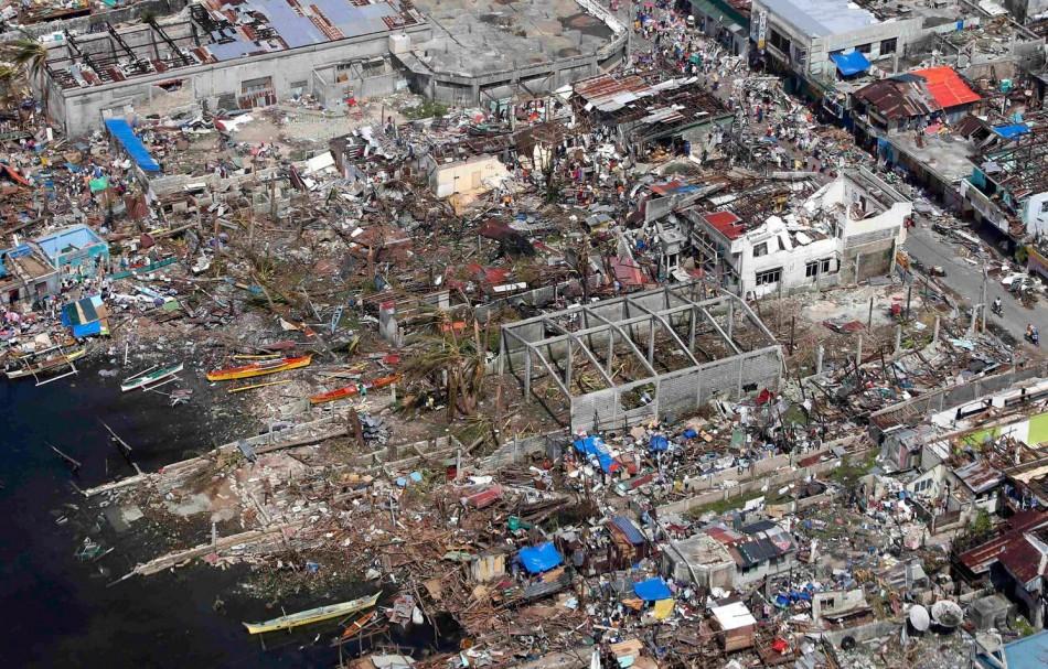Survivors have no shelter. (Photo: REUTERS/Erik De Castro)