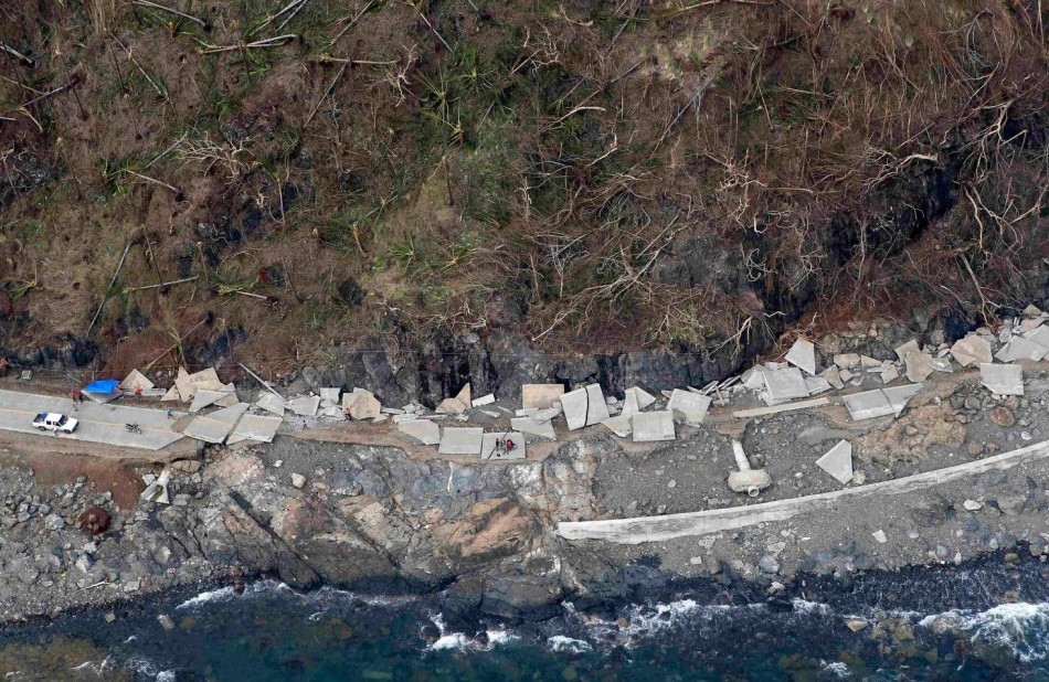An aerial view of a highway that collapsed at the devastation of super Typhoon Haiyan in Samar province in central Philippines. (Photo: REUTERS/Erik De Castro)