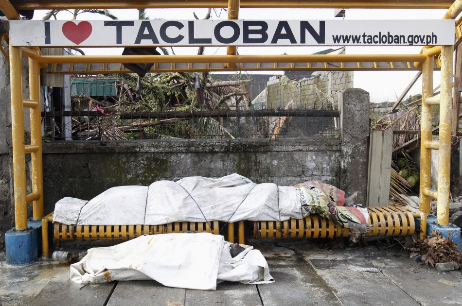 Decaying dead bodies spark fears of epidemic in Philippines