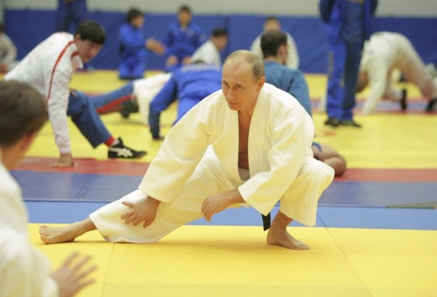 Putin Receives Grandmaster Rank in Taekwondo