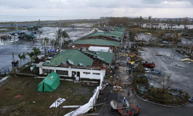 Typhoon Haiyan has left over half a million people displaced and billions in damages (Photo: Reuters)