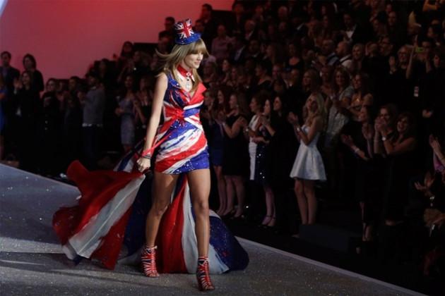 Taylor Swift at Victoria's Secret Fashion Show 2013